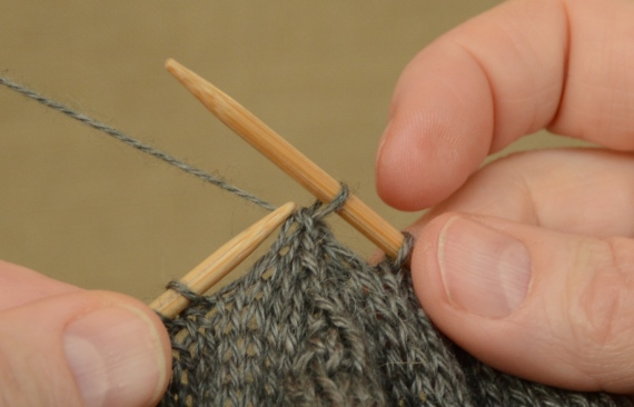 """Start with one stitch in the middle in addition to the """"front"""" and """"back"""" stitches on separate needles."""