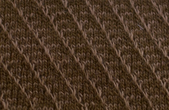 Lifting stitches from the lighter brown yarn only!
